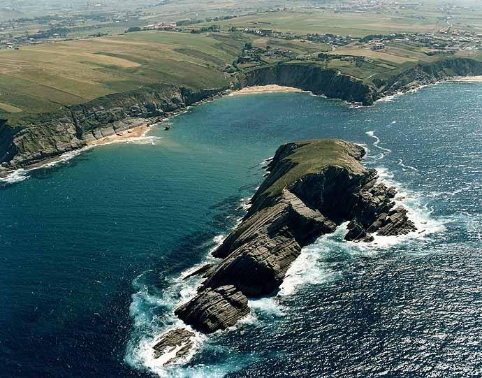 Covachos, entre las mejores playas naturistas de España