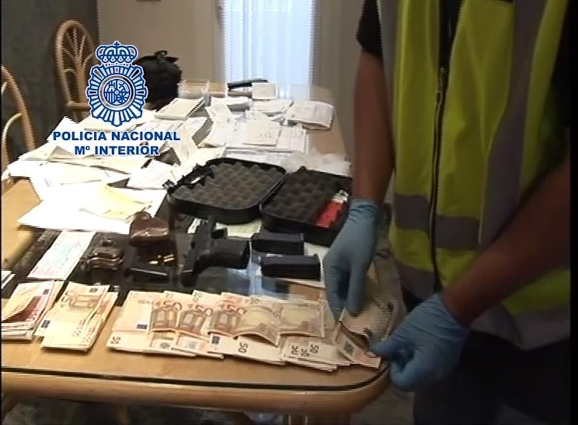 Desmantelada una red que enviaba ilegalmente albaneses a Londres a través de Barcelona cobrando entre 500 y 4.000 euros