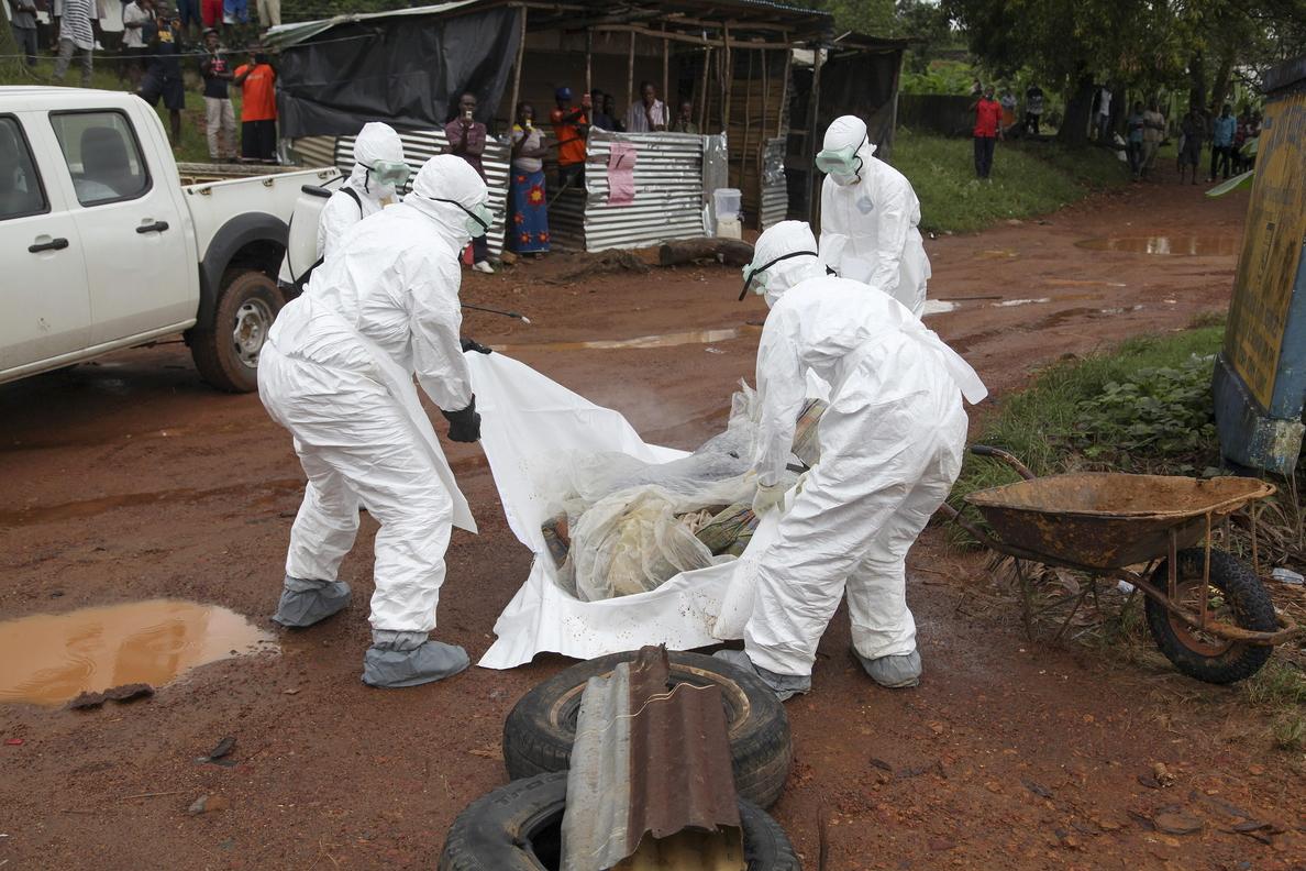 Reunión de expertos en Ginebra para debatir la fiabilidad del suero experimental contra el ébola