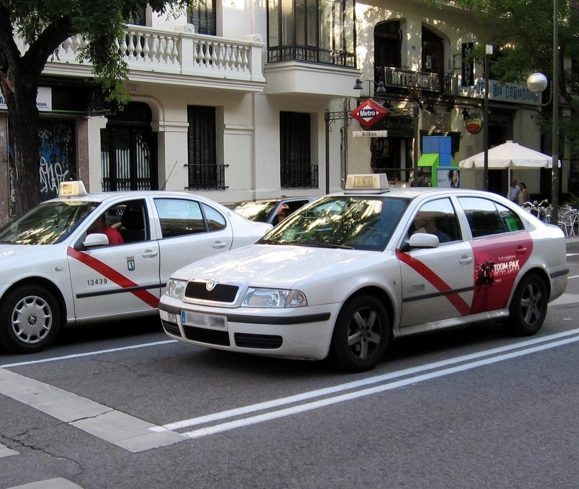 El Teatro La Latina se adelanta al Amaya y se convierte en el primer anuncio externo en los taxis madrileños