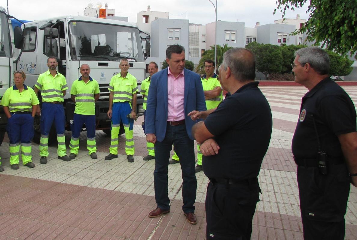 El Ayuntamiento programa la limpieza de las calles del barrio de la Feria del Atlántico