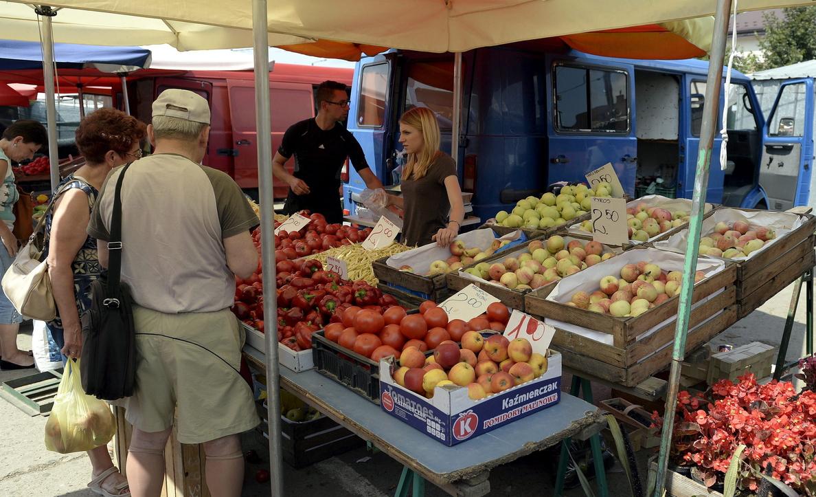 La CE anuncia una ayuda de 125 millones para la retirada de verduras y frutas