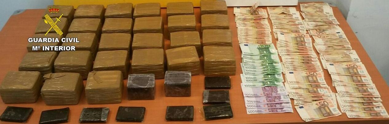 Detenidos tres hombres en Sóller por tráfico de drogas tras intentar arrollar a los agentes en su huida