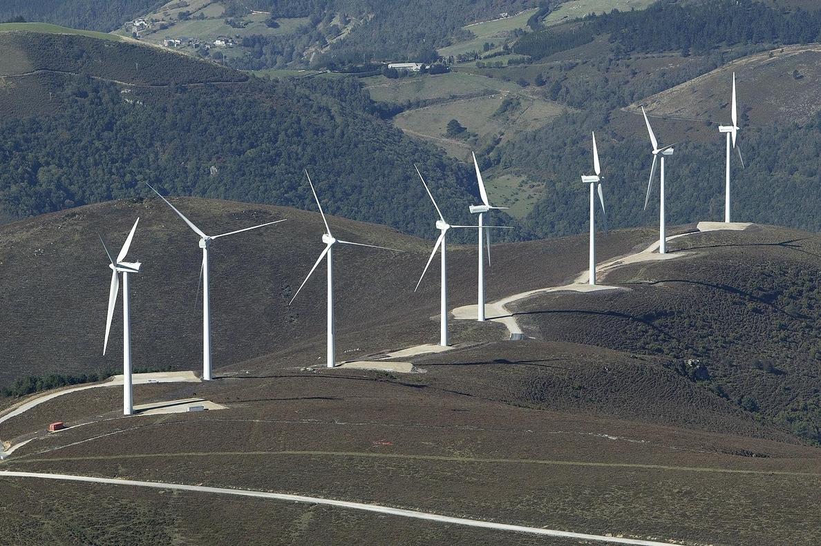 El Gobierno confirma que hay «proyectos en tramitación» para parques eólicos en Cantabria