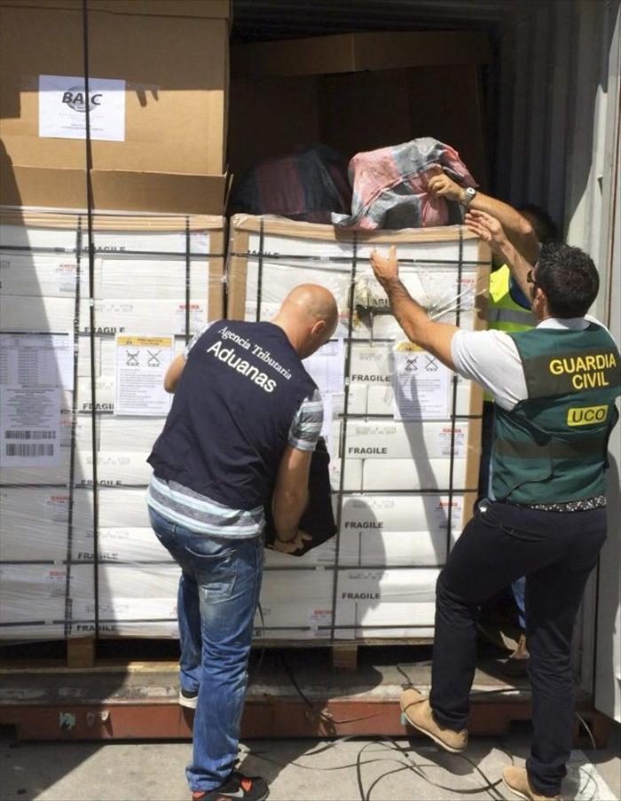 Incautan 125 kilos de cocaína ocultos en un contenedor en el puerto de Vigo