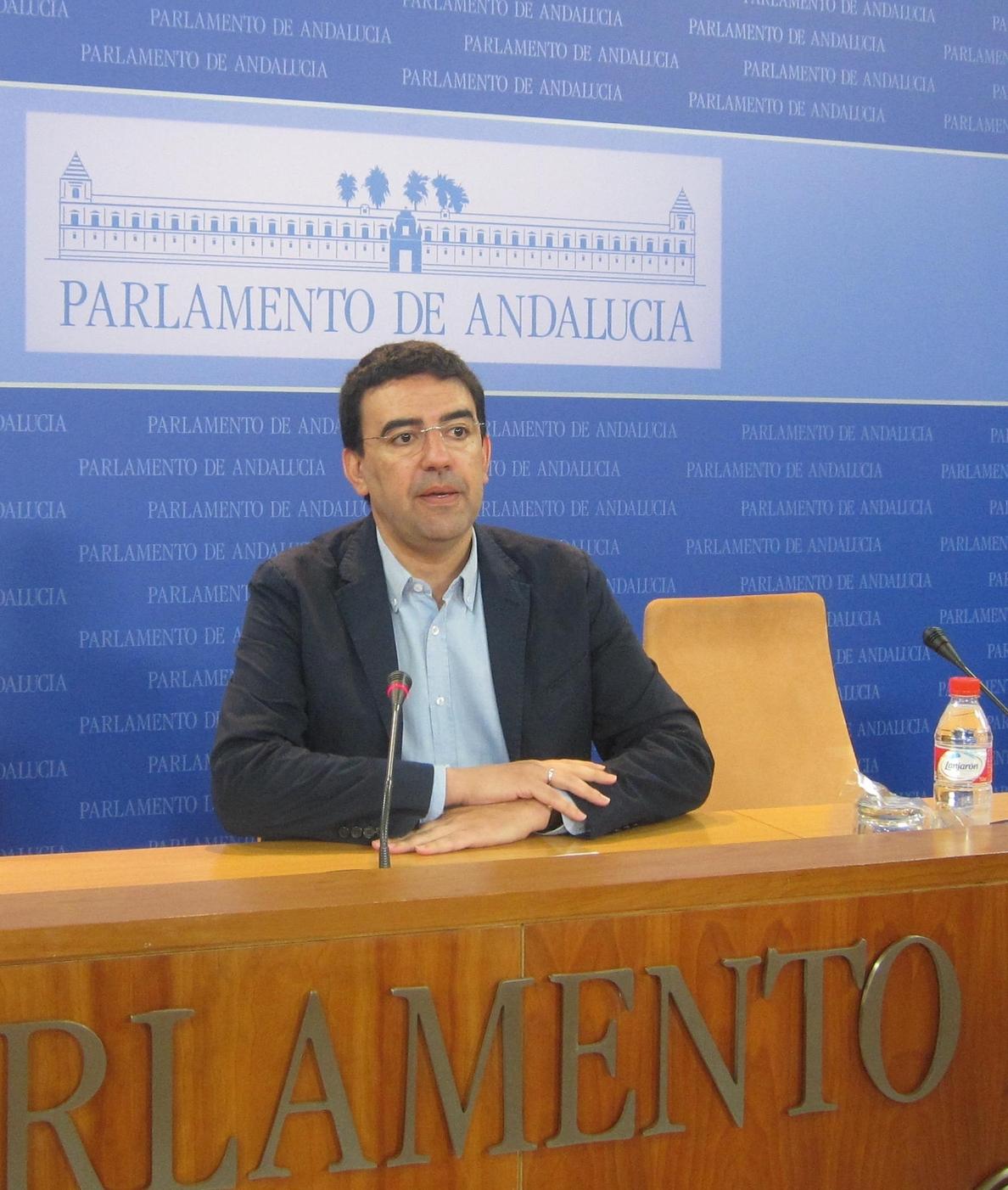 Jiménez (PSOE-A): Arenas «vuelve a tomar las riendas» del PP-A utilizando el «juego sucio» de la corrupción contra Díaz