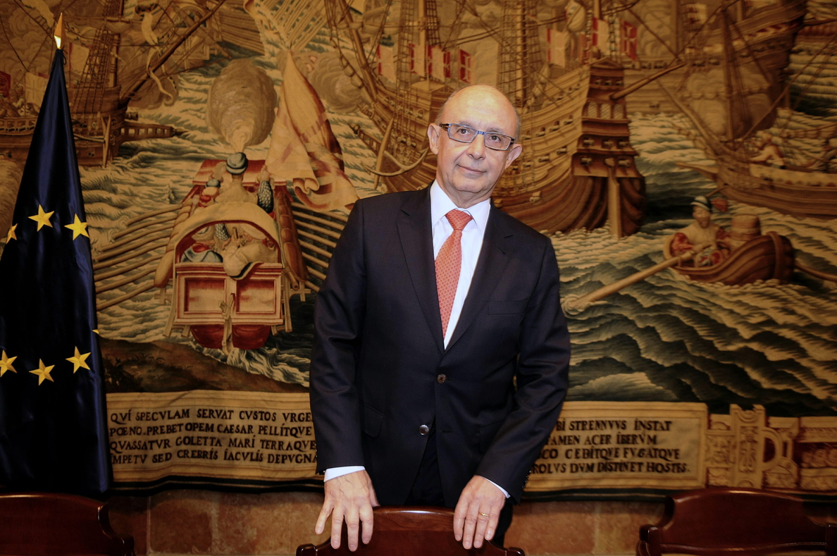 El PSOE pide que Montoro dé explicaciones en el Congreso sobre el caso Pujol