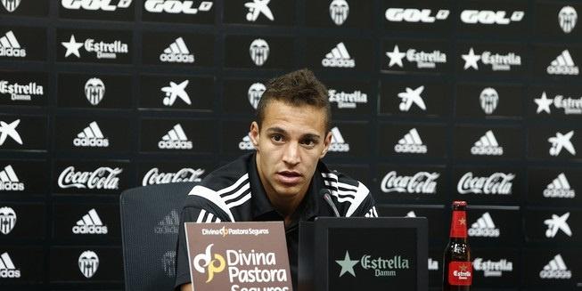 Rodrigo (Valencia): «El equipo ha demostrado un alto nivel en estos últimos cuatro amistosos»