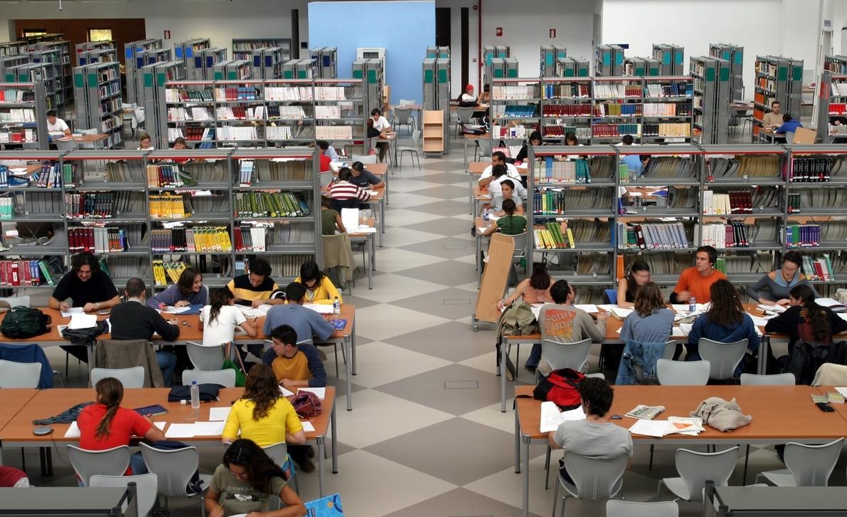 Las bibliotecas deberán pagar derechos de autor por el préstamo de libros