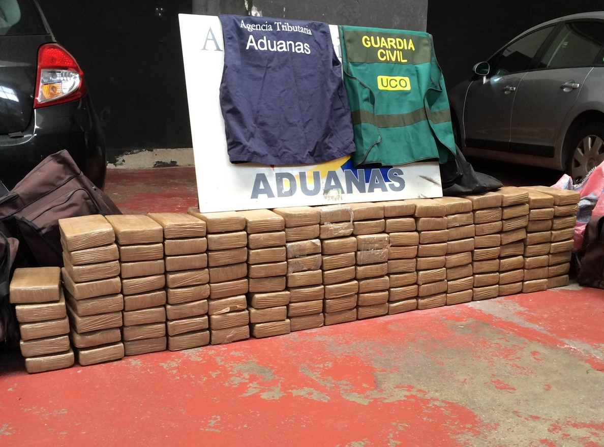 Los 125 kilos de cocaína encontrados en Vigo desde Ecuador iban a retirarse por el sistema de »gancho ciego»