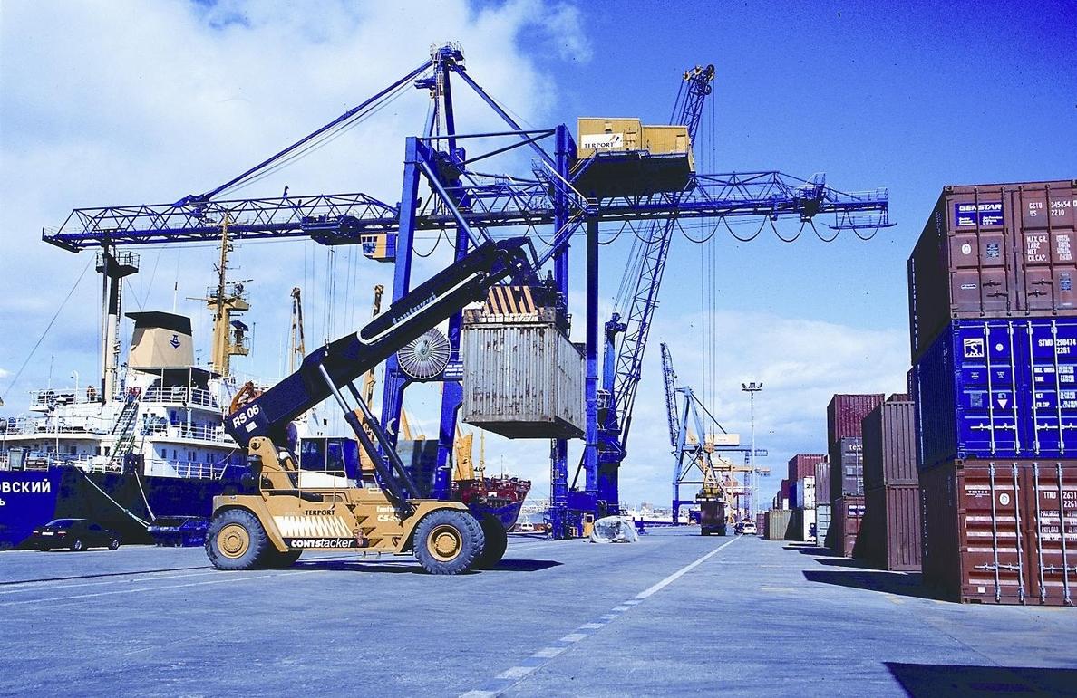 Las exportaciones de la Comunitat crecen un 7,3% en el primer semestre de 2014 hasta los 12.715 millones