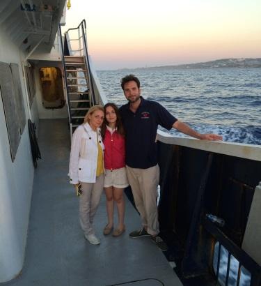 La familia Catrambone, dedicada a salvar inmigrantes con su barco privado