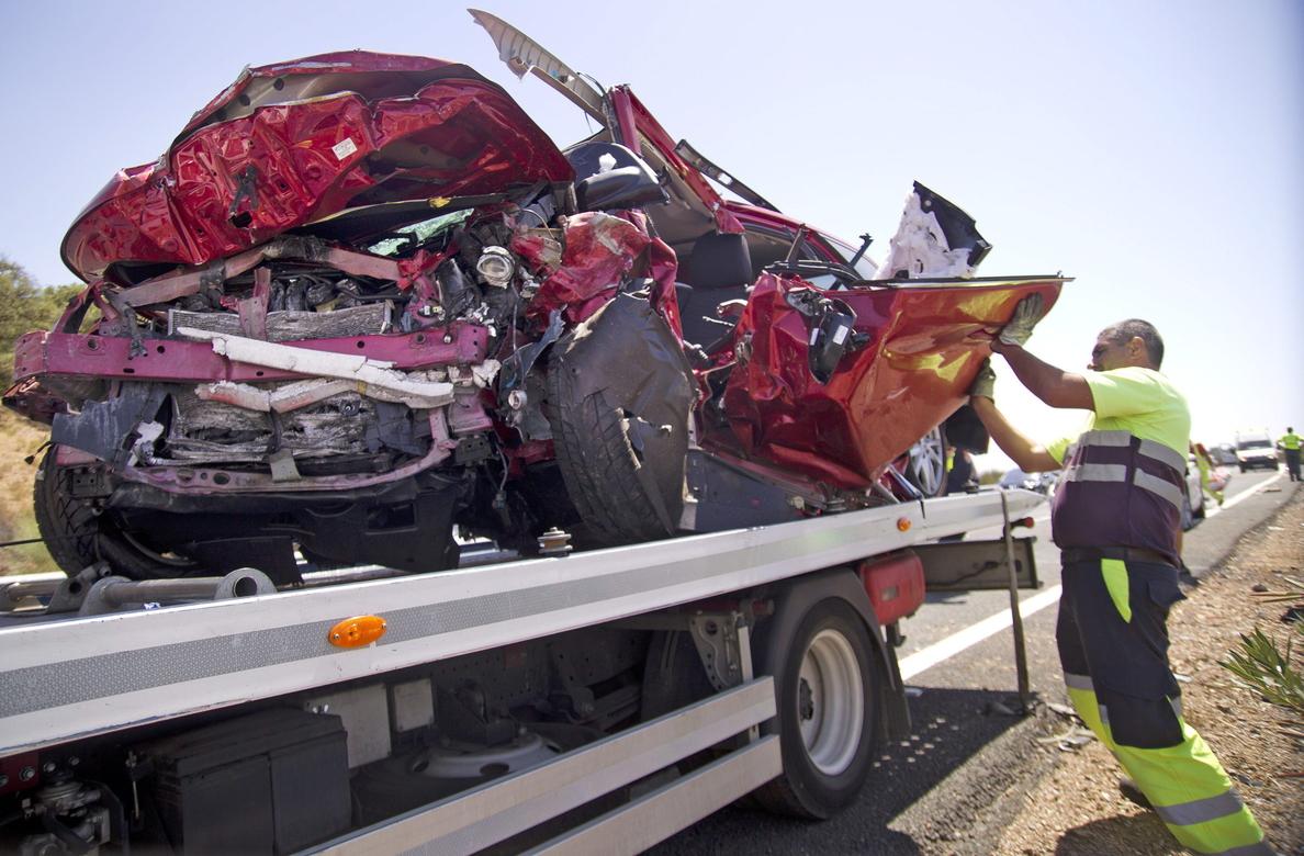 Cuatro muertos y un herido grave en un accidente múltiple en la A-66 en Sevilla