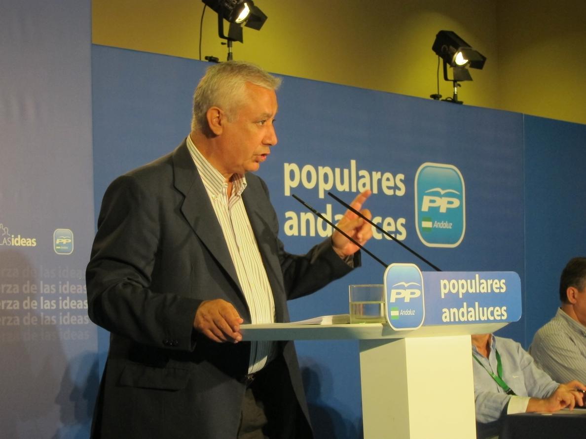 Arenas (PP) hace un llamamiento a Mas para que «rectifique» con el referéndum y «no se lo ponga en bandeja a ERC»