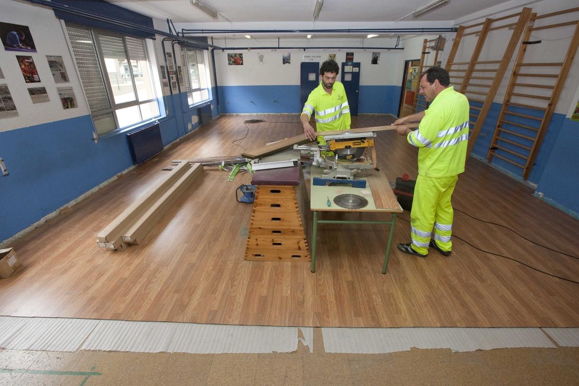 El Ayuntamiento destina más de un millón de euros al mantenimiento de los centros educativos