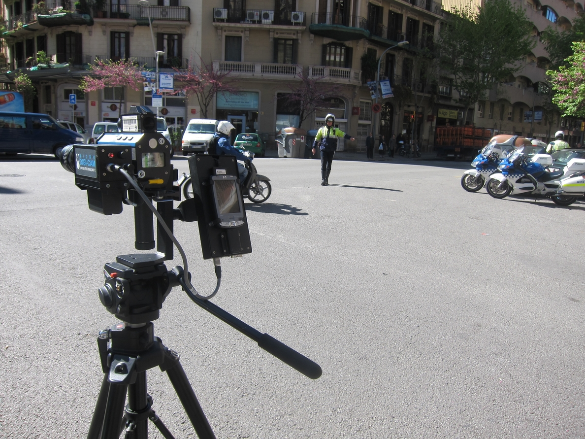 Barcelona inicia una campaña especial para controlar la velocidad al detectar que los conductores corren más en verano