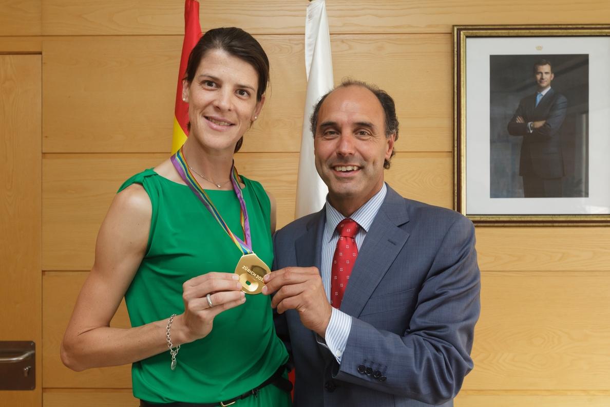 El presidente de Cantabria destaca la trayectoria «difícilmente igualable» de Ruth Beitia