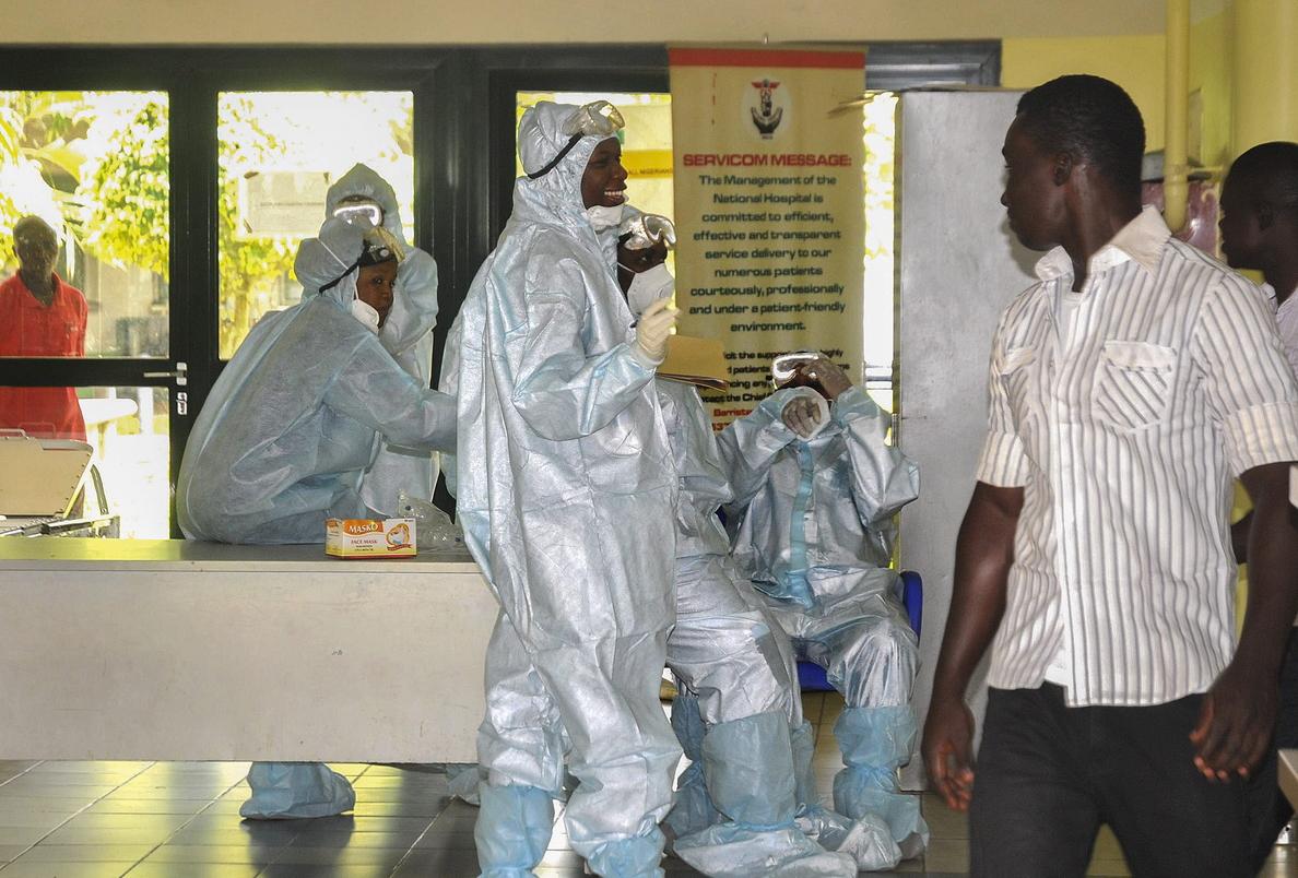 Continúa la rápida transmisión del Ébola, con 84 muertes en tres días