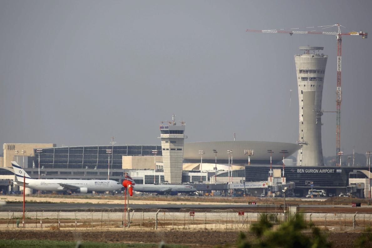 Estados Unidos prohíbe a sus aerolíneas sobrevolar el espacio aéreo sirio