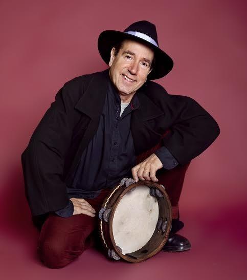 Eliseo Parra Trío presentará este miércoles en la Ciudadela de Pamplona su nuevo disco, »Contradición»
