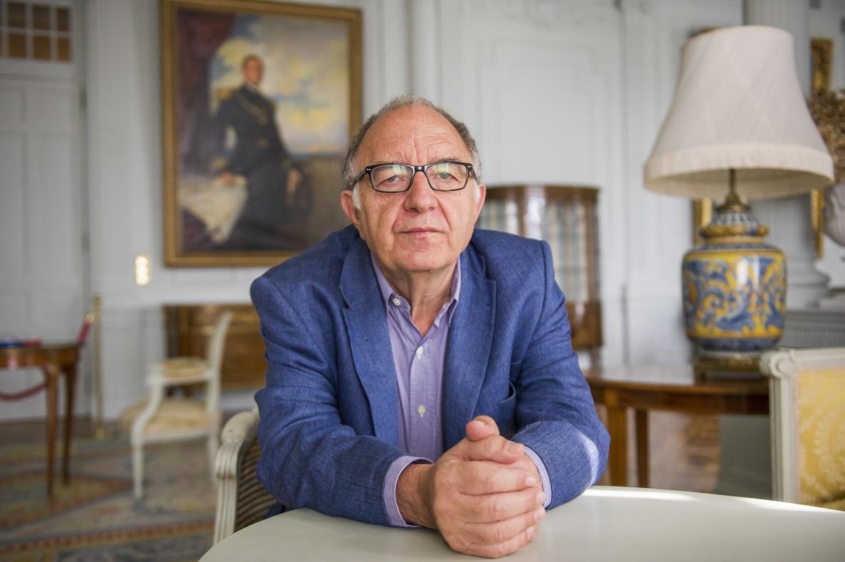 El catedrático Ricardo García Cárcel denuncia la «manipulación política» de la Historia por parte del soberanismo