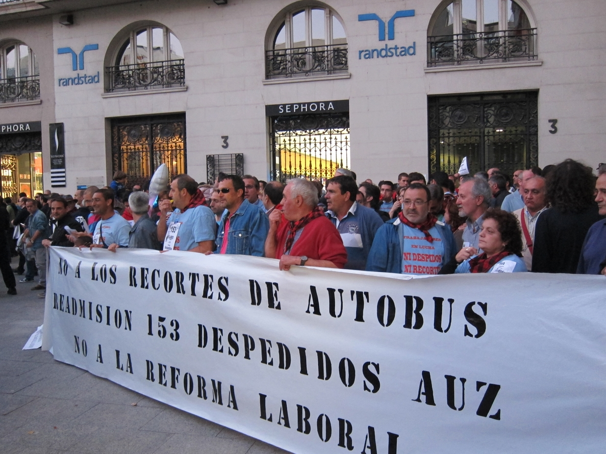 Trabajadores de AUZSA se manifiestan este miércoles para exigir la readmisión de todos los afectados por ERE