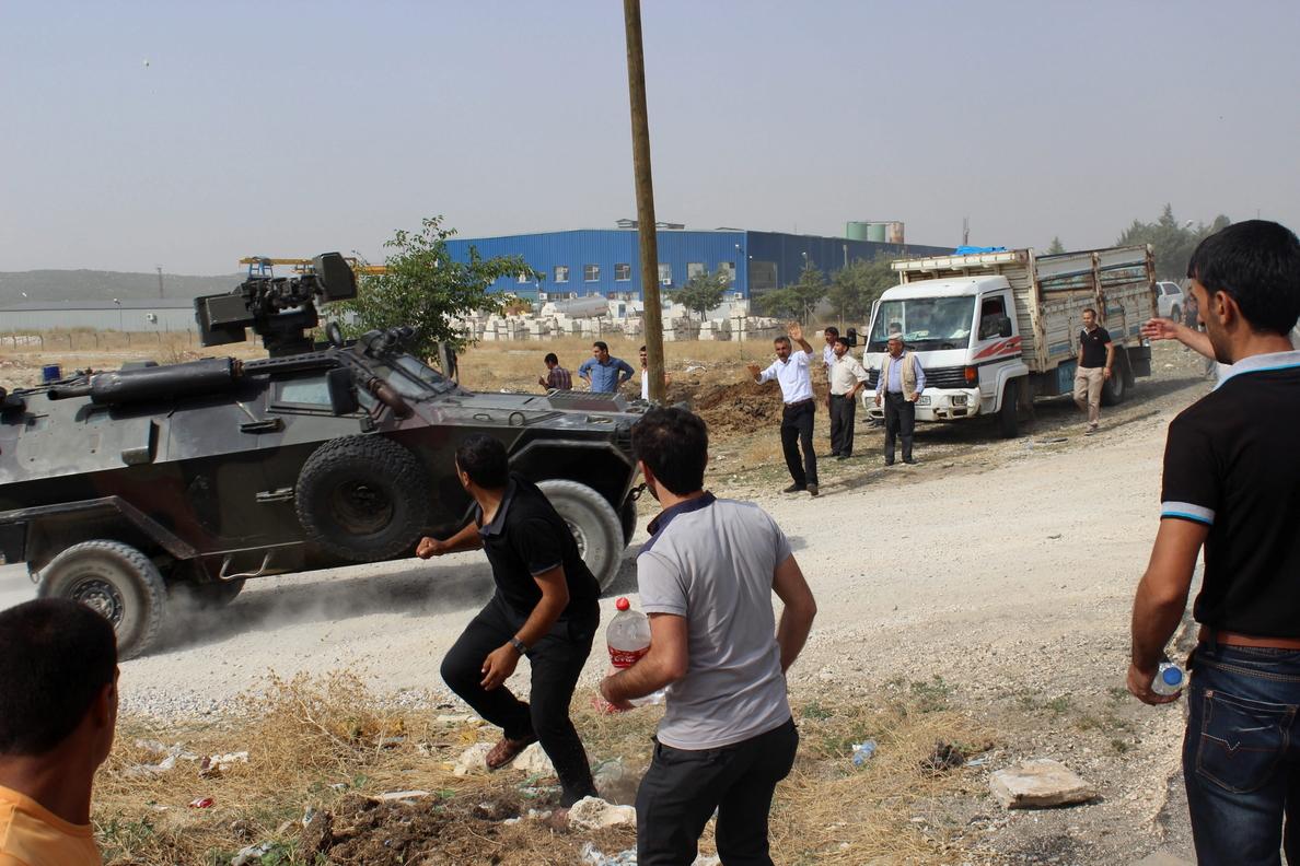 Un muerto en Turquía en una protesta por retirar la estatua de cofundador de PKK