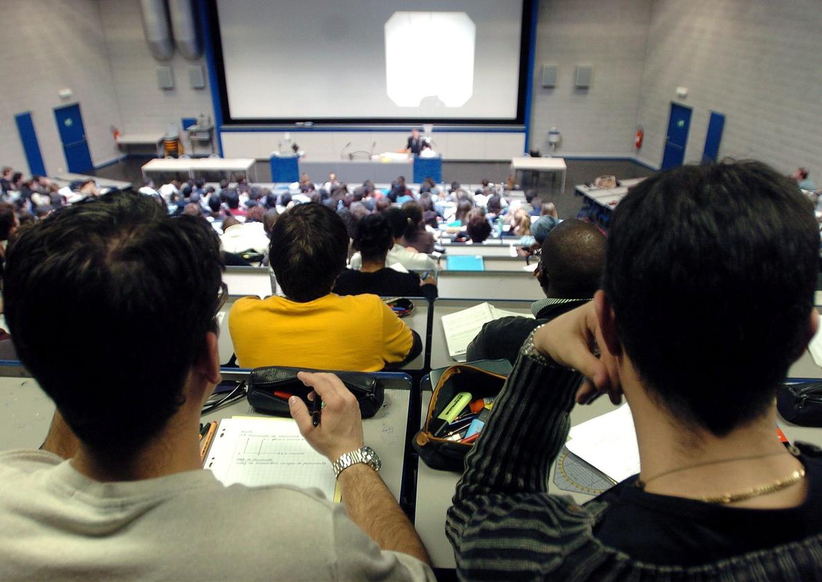 Así se estudia en la universidad y se conceden las becas en los países de nuestro entorno