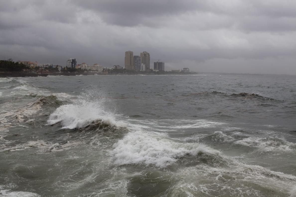 Se forma la tormenta tropical Lowell lejos de costas mexicanas del Pacífico