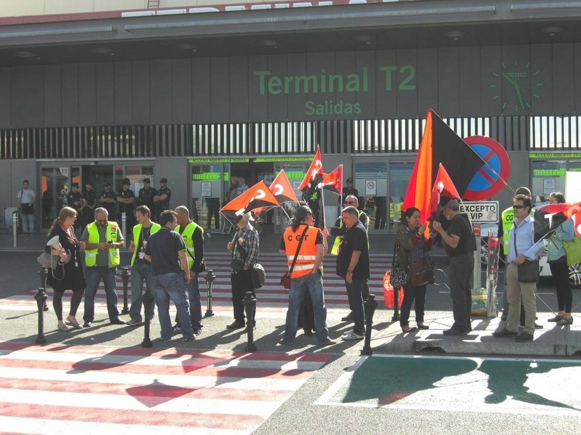 CGT-Aena convoca una nueva huelga en Barajas el 29 y 31 de agosto contra la privatización