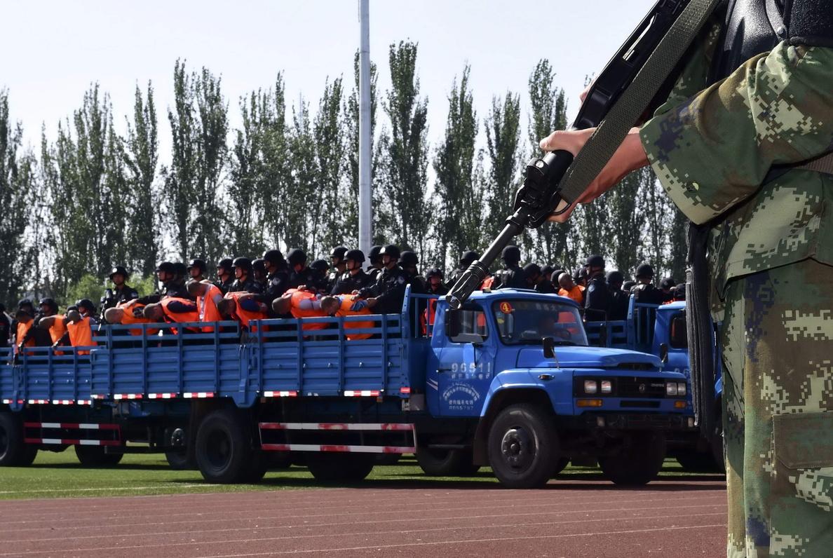 Condenan a muerte a un exalto cargo de la red ferroviaria china por corrupción