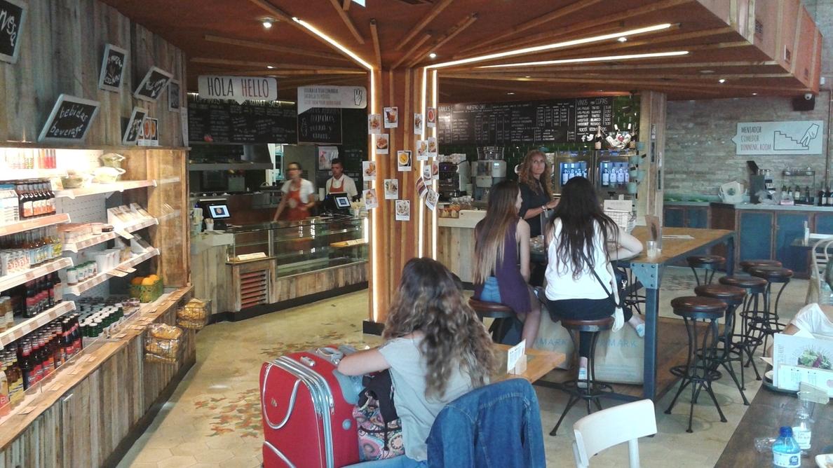 Abre en Barcelona un restaurante pionero con comida y bebida 100% ecológica