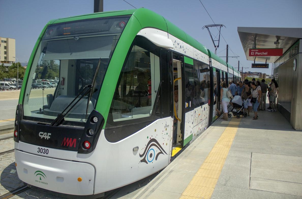El Ayuntamiento instará a las administraciones a impulsar el billete único para el transporte en Málaga