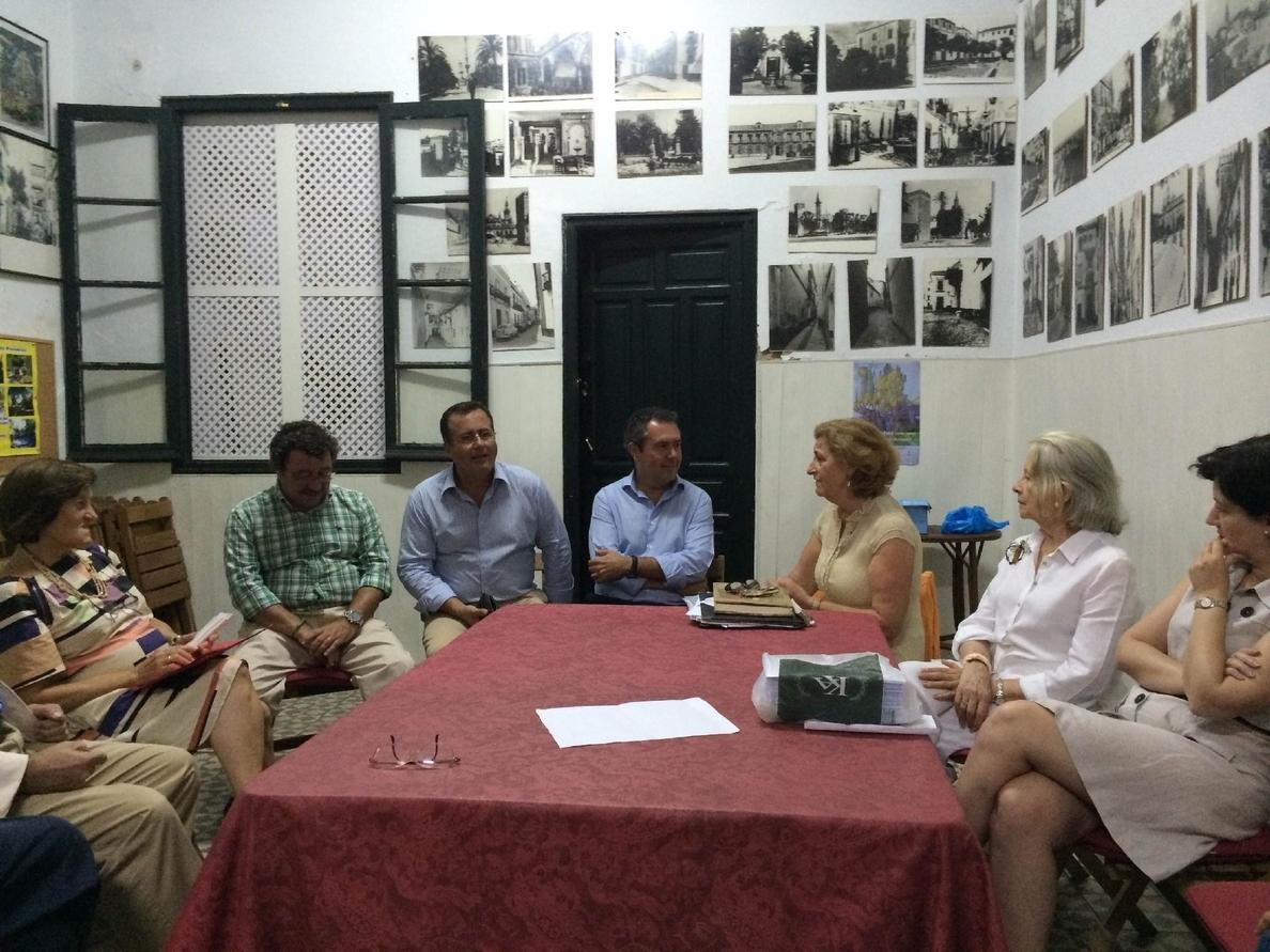 Espadas propone más espacio peatonal para la reordenación de la calle Mateos Gago