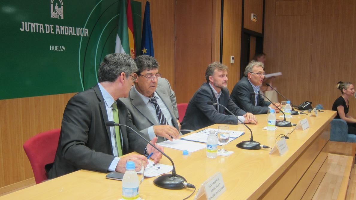 Valderas destaca en el ecuador de la legislatura la Ley de Transparencia y de Participación para crear «más democracia»