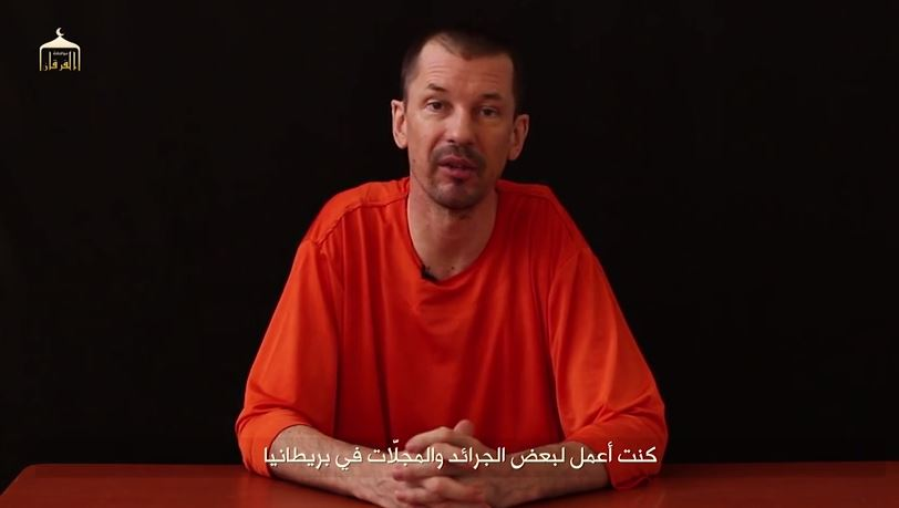 El EI difunde el vídeo de un fotógrafo británico secuestrado para denunciar la manipulación sobre el grupo
