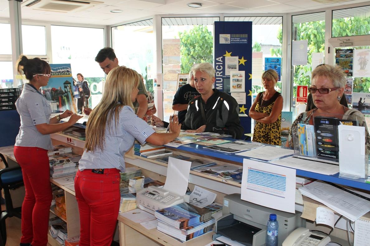 Los afiliados a la Seguridad Social en hostelería y agencias de viaje crecen un 4,9% en agosto en Baleares