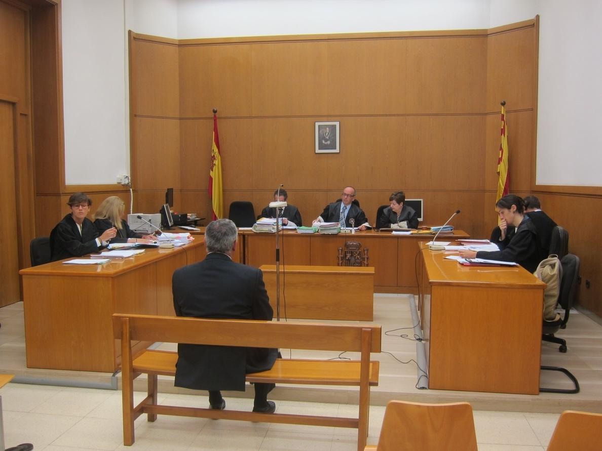 El empresario andorrano dice que no ganaba dinero con los cursos y niega delito fiscal