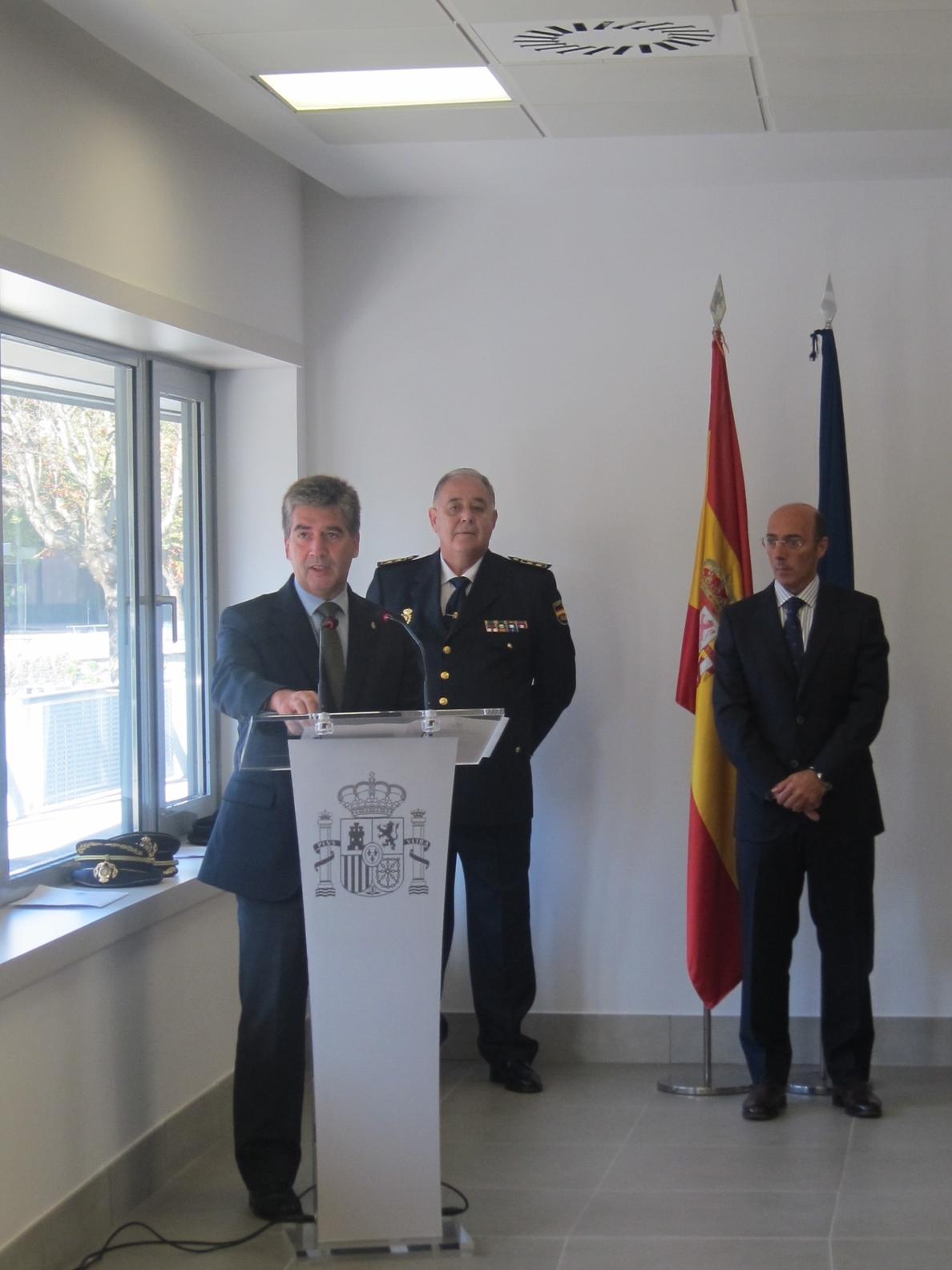Cosidó defiende la «decidida vocación de permanencia» de la Policía Nacional en Euskadi