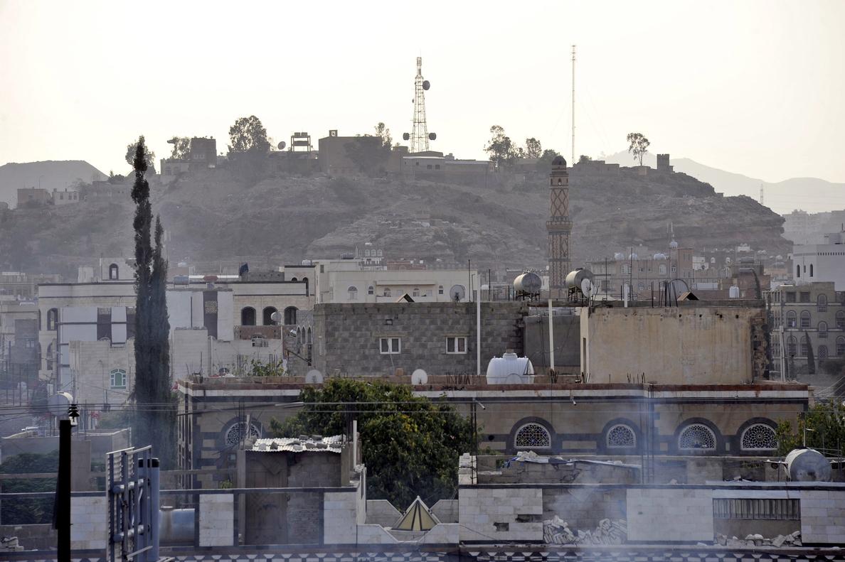 Decenas de muertos en los choques entre el ejército y los rebeldes hutíes en Saná