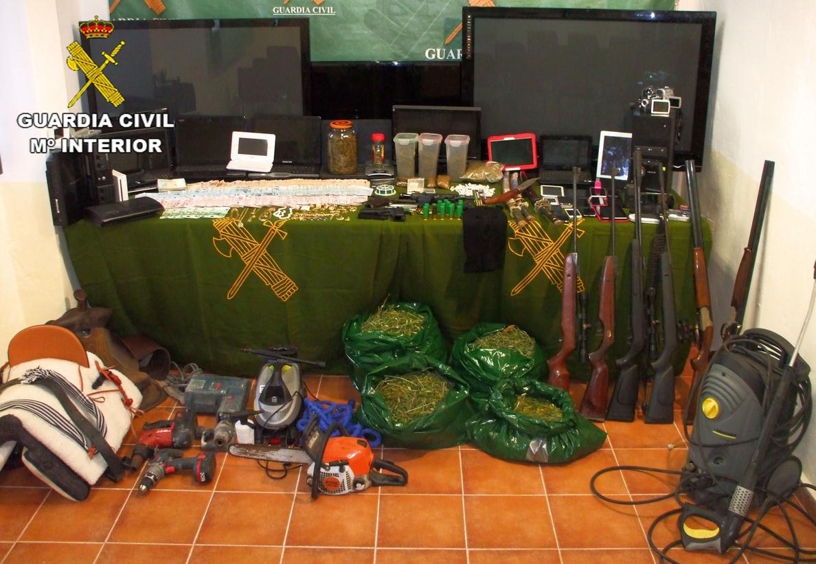 Detenidas 26 personas en Tomelloso y Argamasilla de Alba y desarticulados 14 puntos de venta de drogas