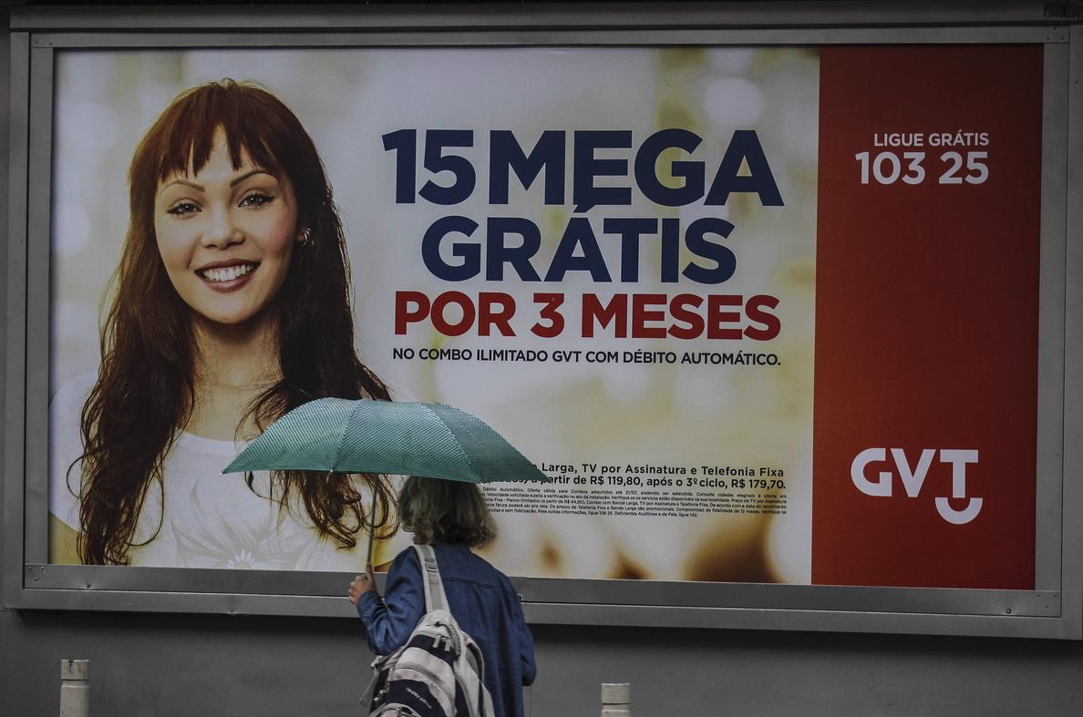 Telefónica cierra la compra de la brasileña GVT y vende Telecom Italia