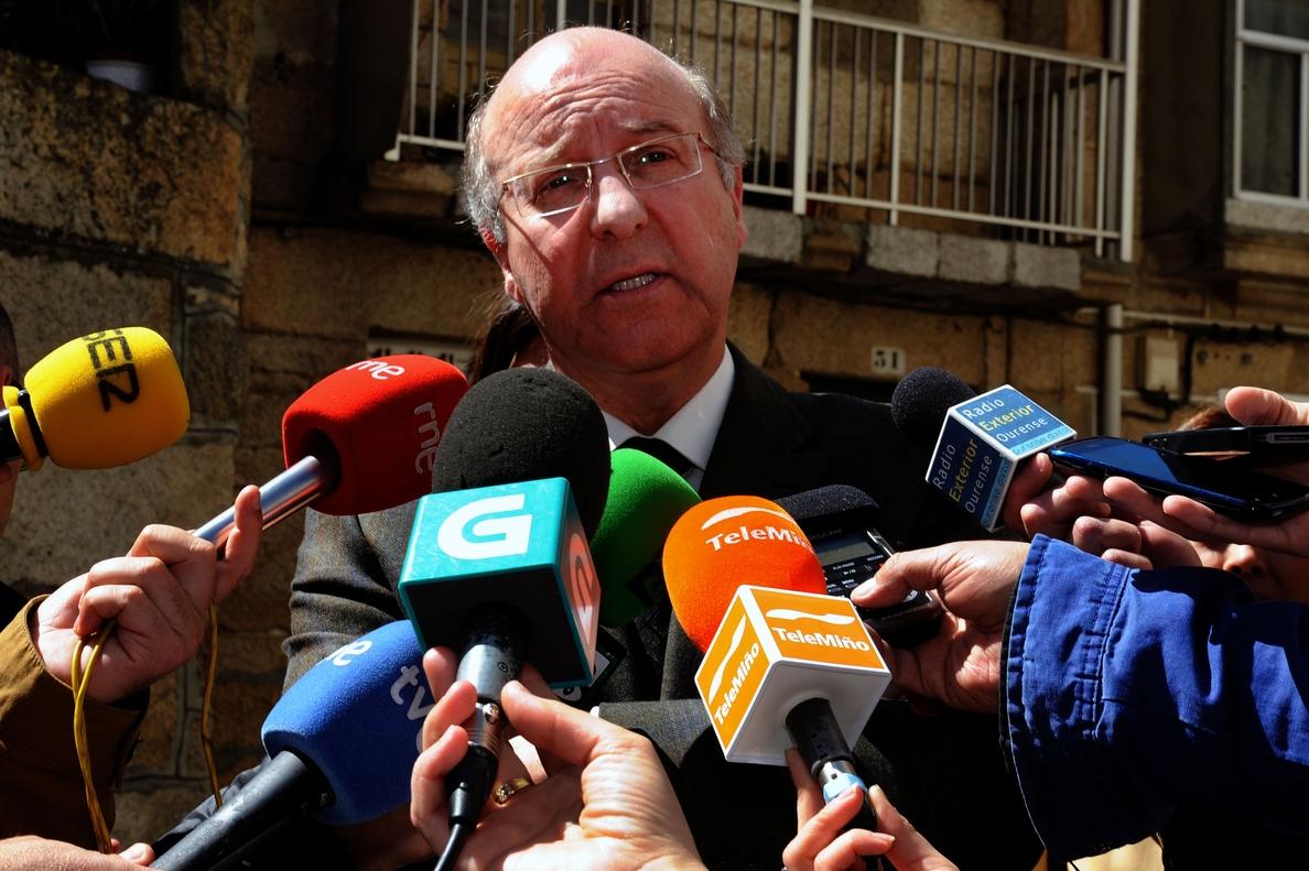 El alcalde de Ourense (PSOE) no concurrirá a las primarias para que «otros puedan pasar con nuevas ideas»