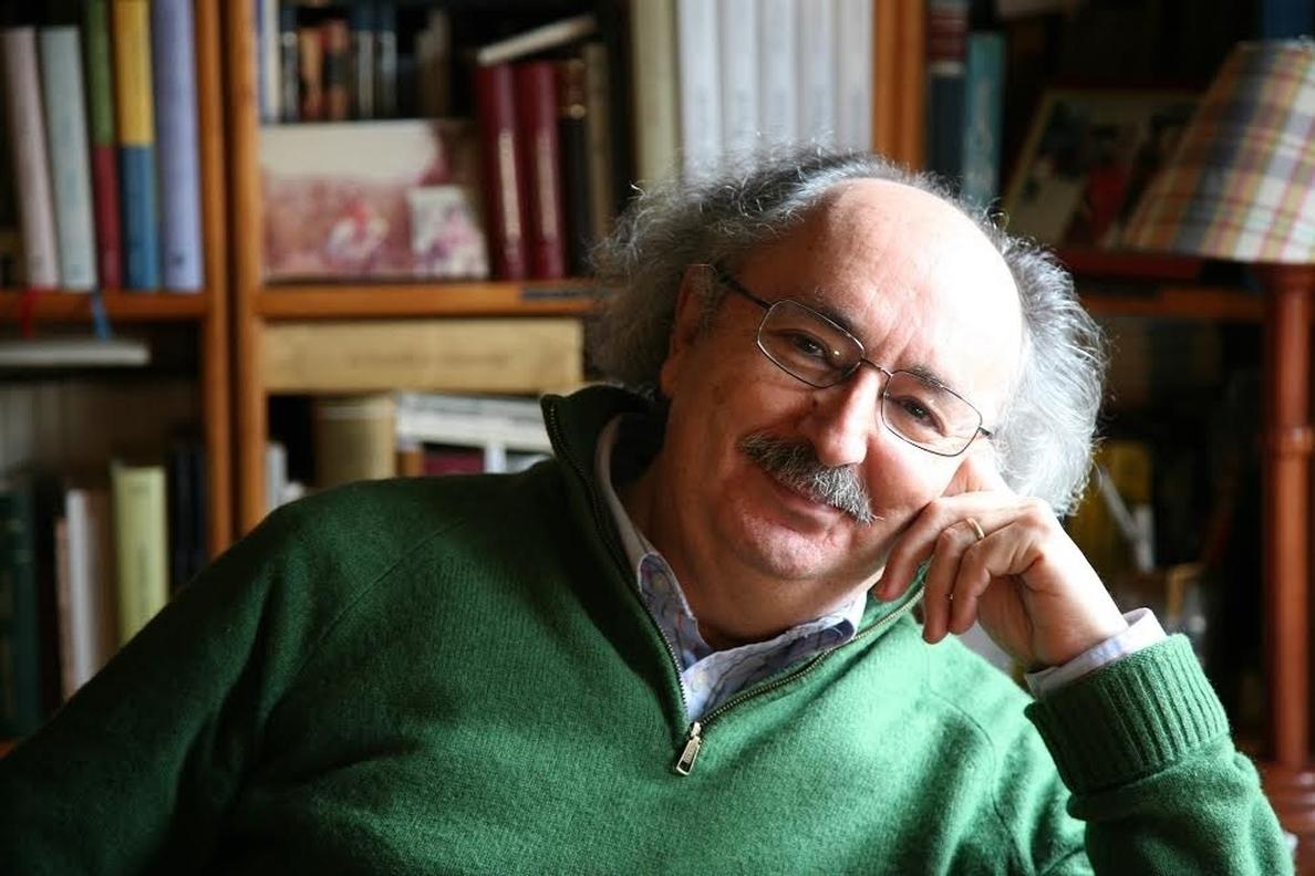 El escritor Antonio Colinas recibe este martes el Premio de las Letras Teresa de Ávila