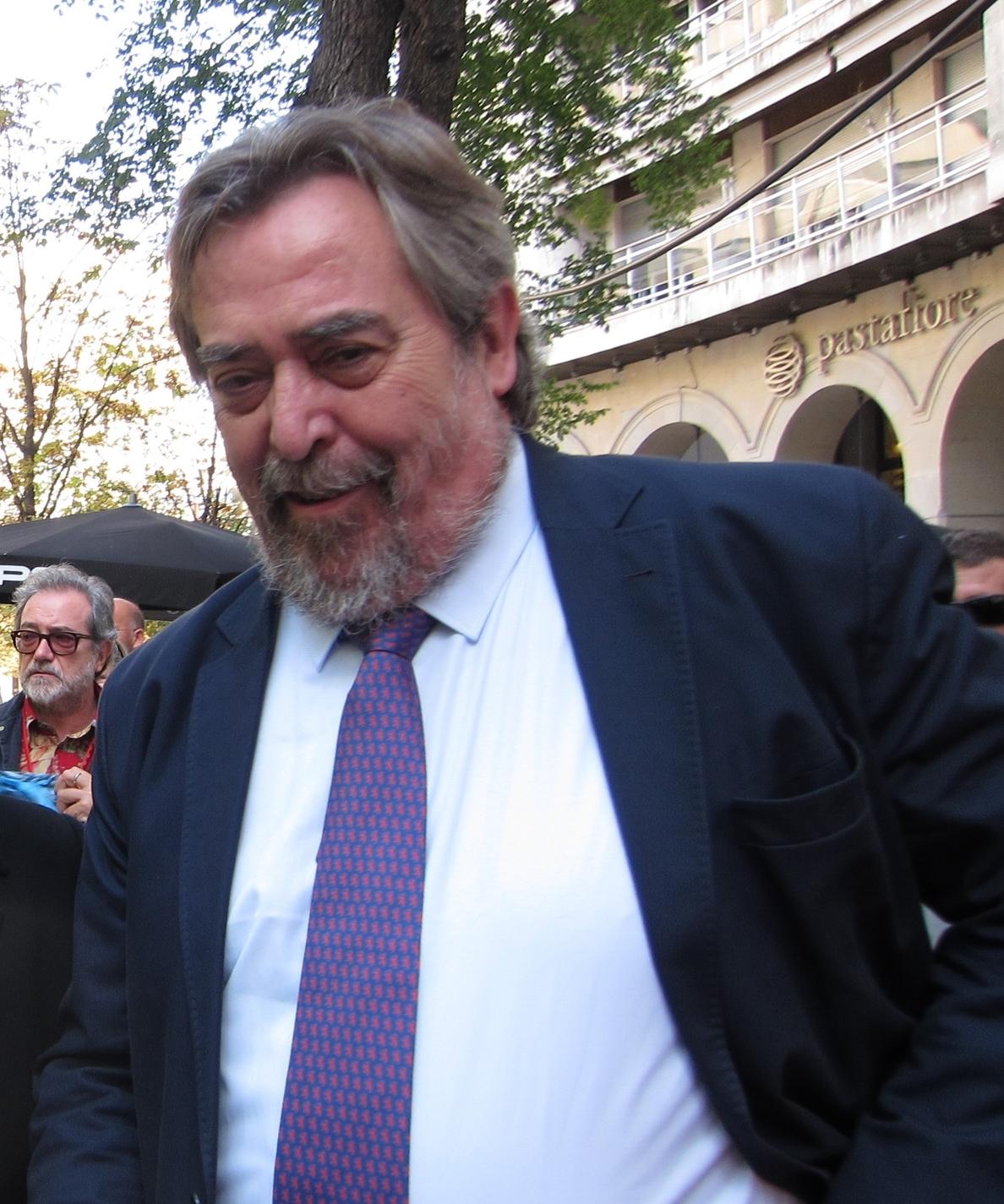 Belloch subraya que los militantes del PSOE han elegido «experiencia y conocimiento» con Carlos Pérez Anadón