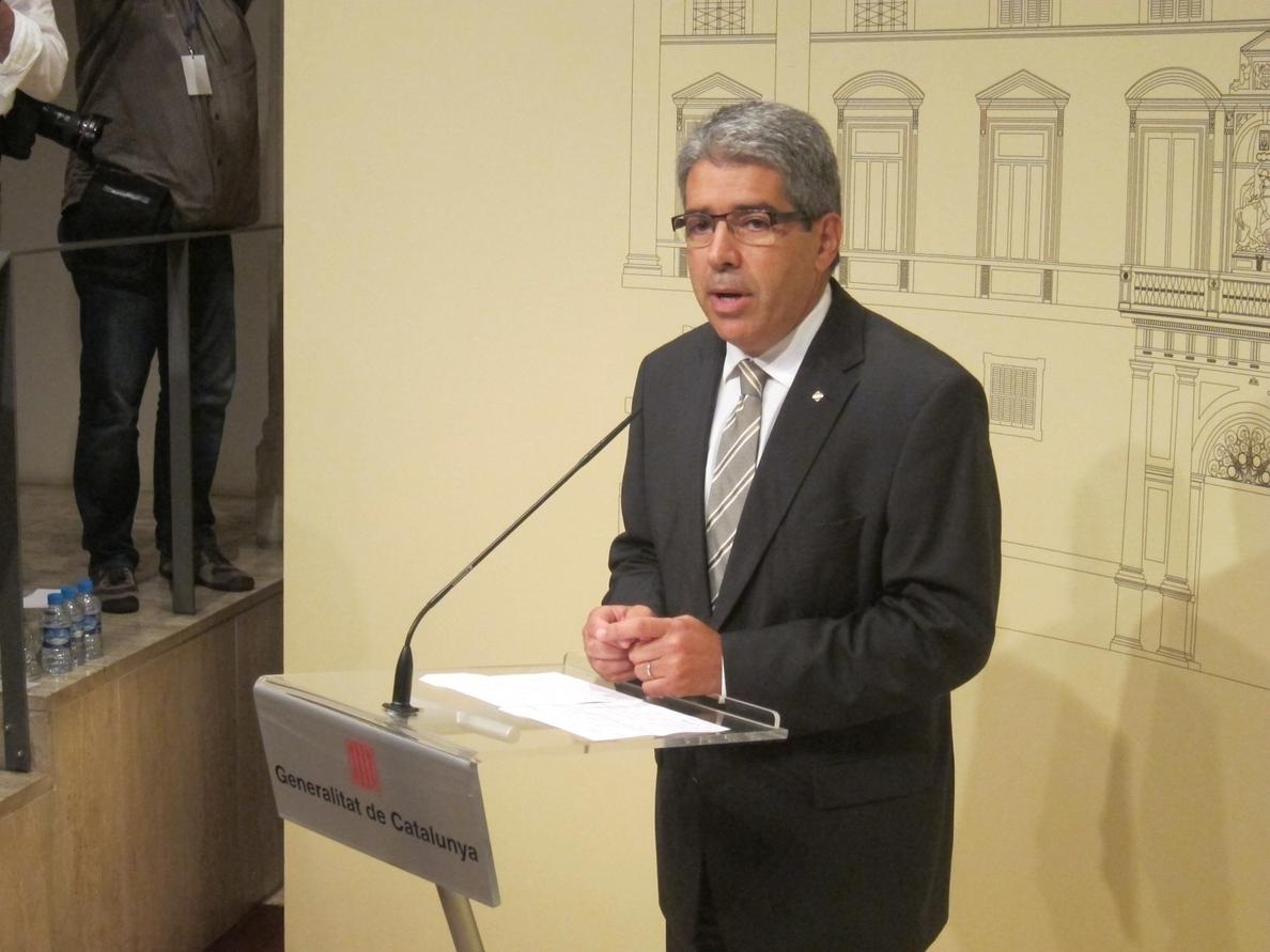 Homs fija el 15 de octubre como fecha límite para decidir si mantiene la consulta