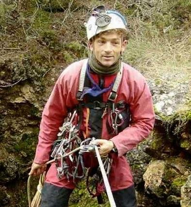 El espeleólogo que pasó 12 días atrapado en una Cueva de Perú ya está en la Clínica CEMTRO