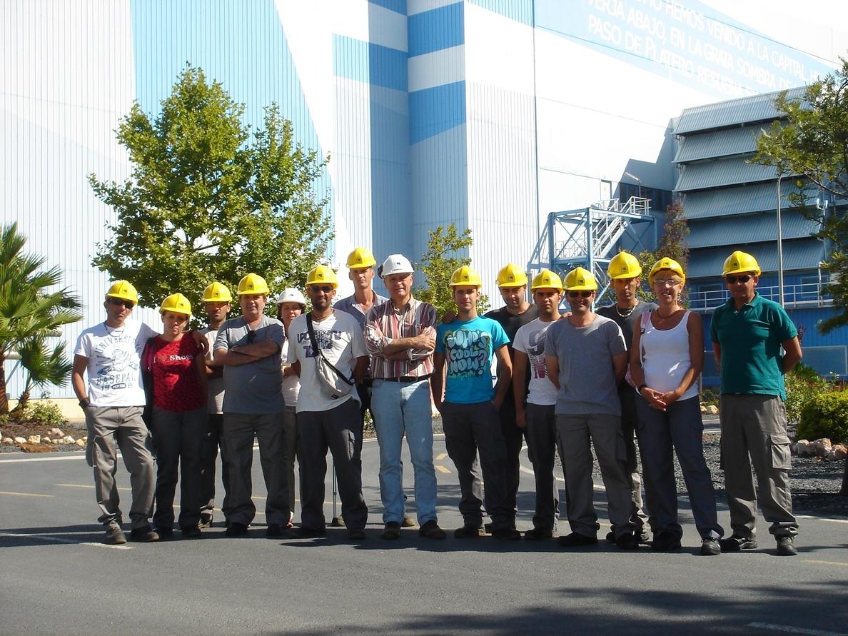 El curso de montaje de instalaciones eléctricas de Cáritas y Endesa culmina con una empleabilidad del 60%