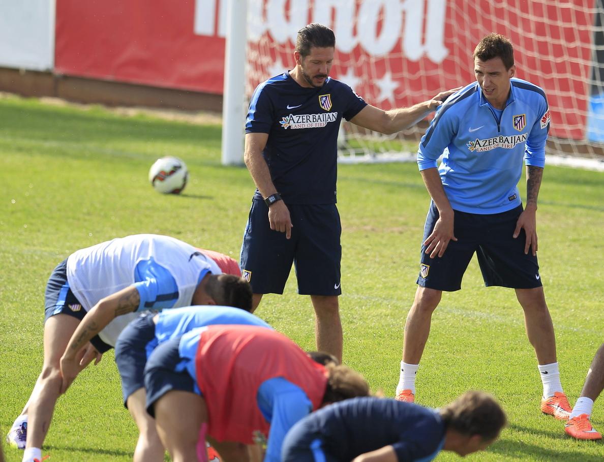 Entrenamiento del Atlético con tan solo siete jugadores