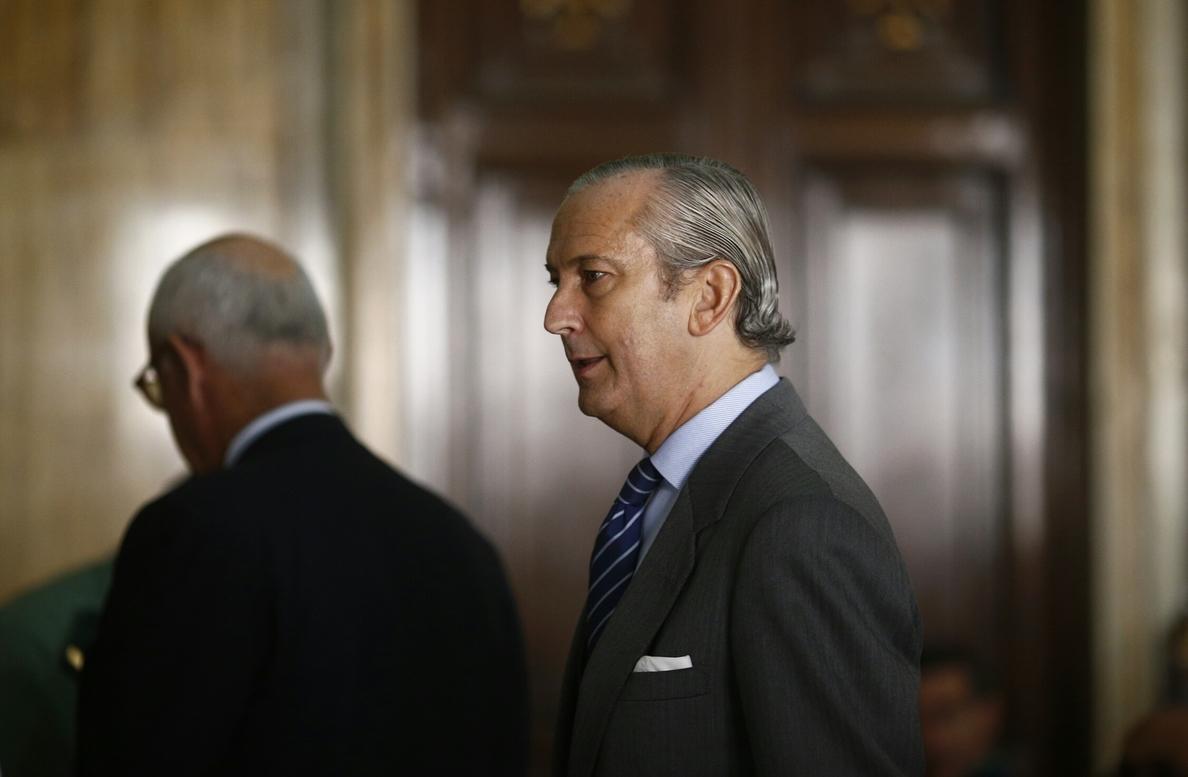 Fernández de Mesa: «no se puede considerar que un inmigrante ha entrado en España por tocar una valla con la mano»